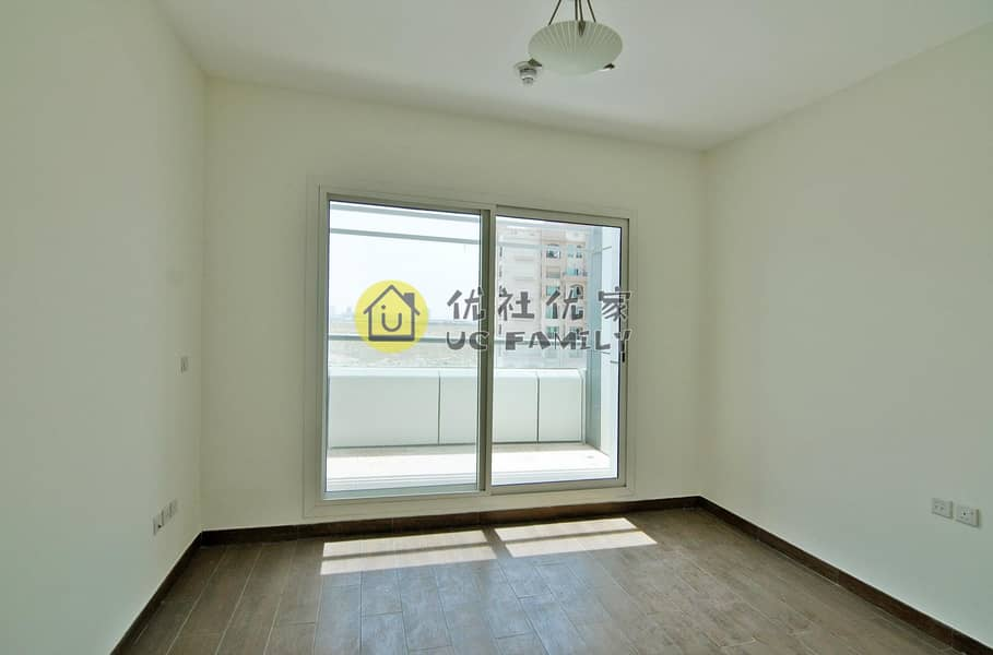 2 One Month Free | Large Studio | Very Good Location