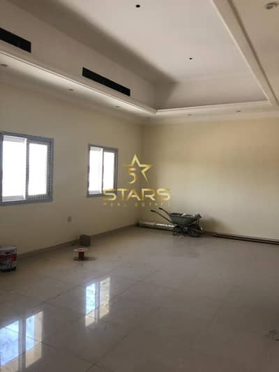 BRAND NEW 5 BED VILLA N AL YASH FOR AED 3.5M