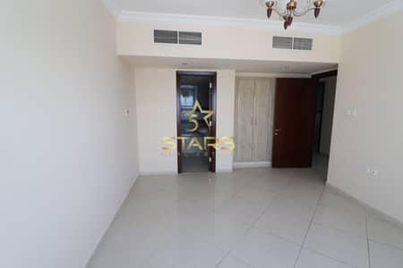 3 Bedroom Flat for Sale in Al Majaz, Sharjah - 3 bedroom apartment lake view  reasonable price
