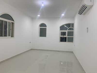 فلیٹ 3 غرف نوم للايجار في الشوامخ، أبوظبي - شقة في الشوامخ 3 غرف 60000 درهم - 4747461