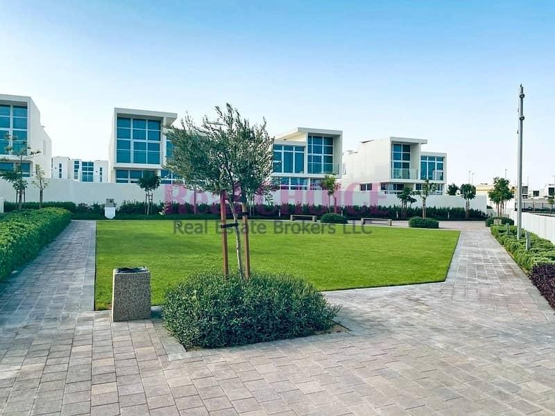 13 Luxury Living 3BR Villa|Brand New|Best Location
