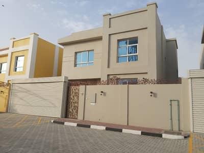 5 Bedroom Villa for Sale in Al Rumaila, Ajman - A villa in Ajman in Rumailah, two minutes from Ajman Corniche
