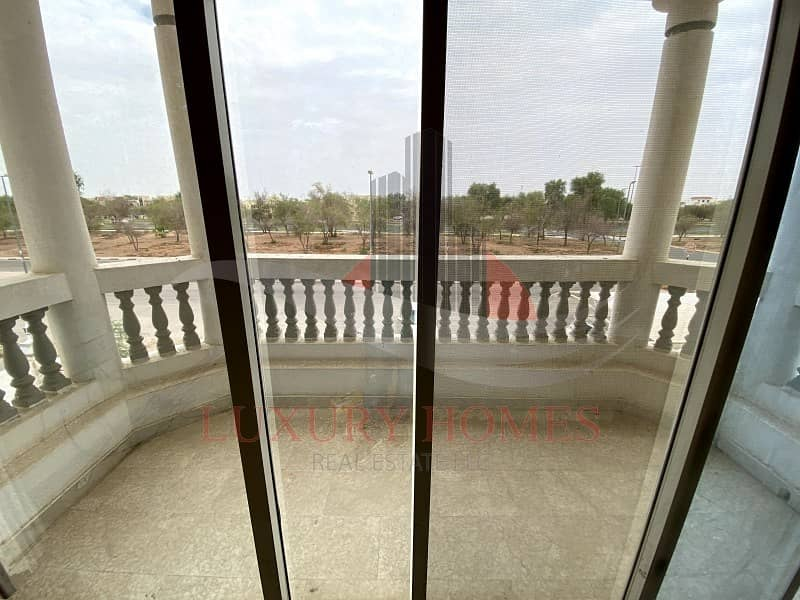 18 Good Location Main Road View Private Yard