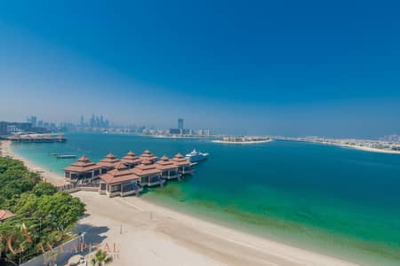 3 Bedroom Penthouse for Sale in Palm Jumeirah, Dubai - Panoramic Palm View | Half-Penthouse