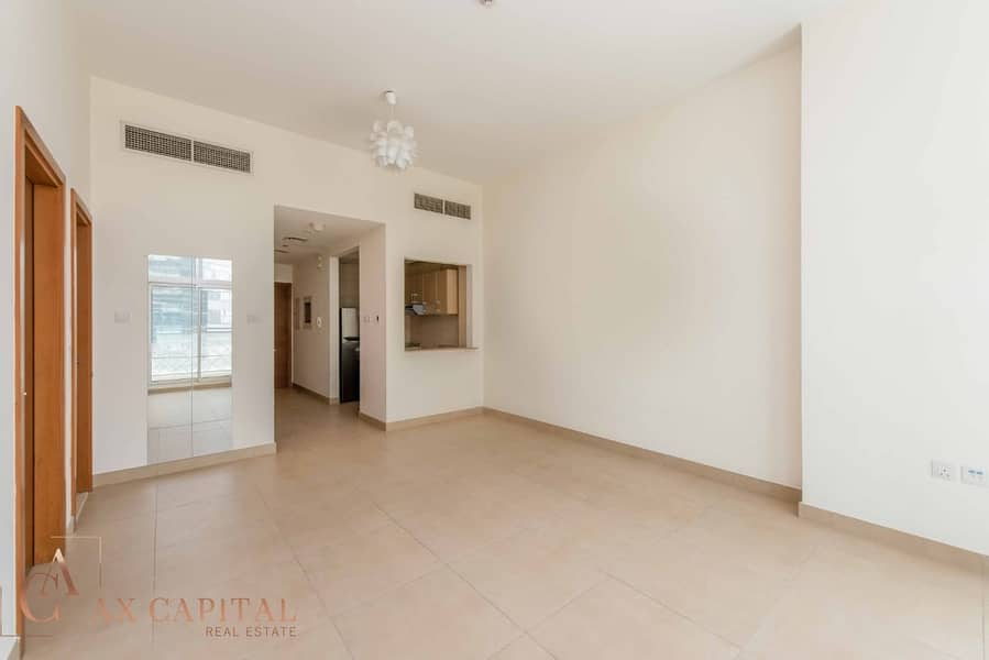 1 Community View | Unfurnished | High-floor