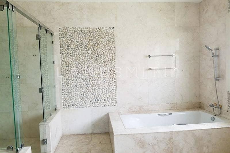 10 Exclusive Luxurious 5BR Villa in Emirates Hills