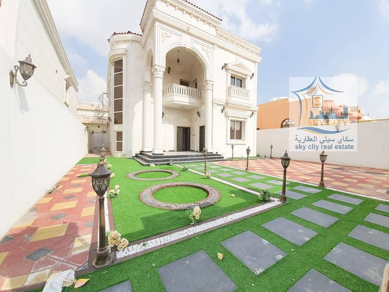Villa for sale, luxurious and beautiful modern day decorations and finishes
