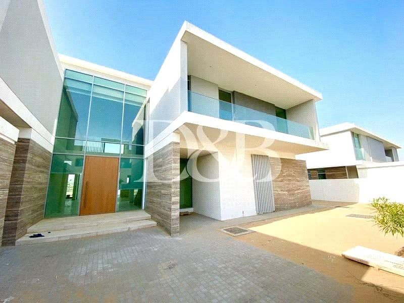 2 MODERN STYLE|NEWLY HANDED OVER VILLA|SWIMMING POOL