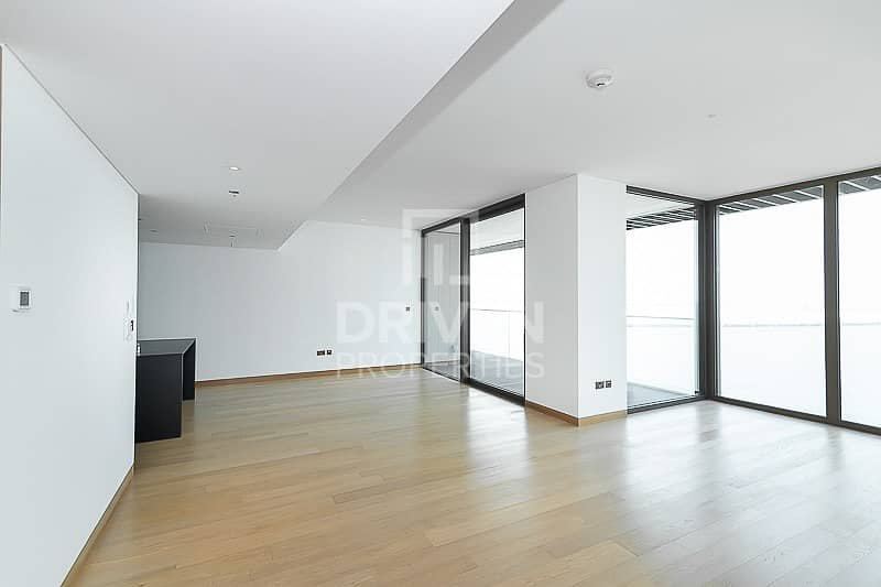 Brand New 1 Bed Apartment with Sea Views