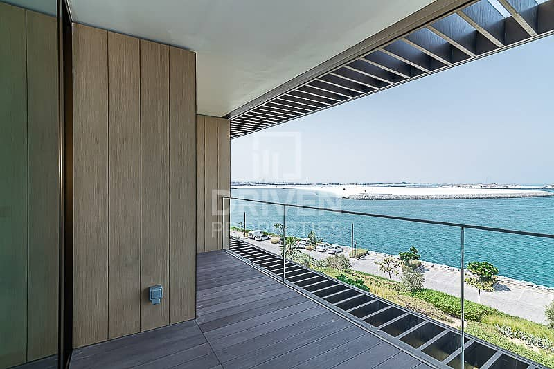 2 Brand New 1 Bed Apartment with Sea Views