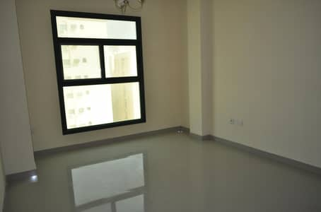 فلیٹ 2 غرفة نوم للايجار في بوطينة، الشارقة - Near Nesto Grocery | Wide flat | Hot offer