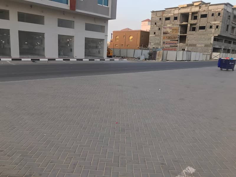 Building for sale in Al Mowaihat area (new age of about a year) for sale
