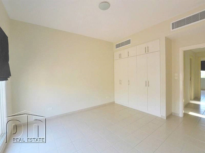 10 Upgraded Kitchen | Good Condition | Private Pool