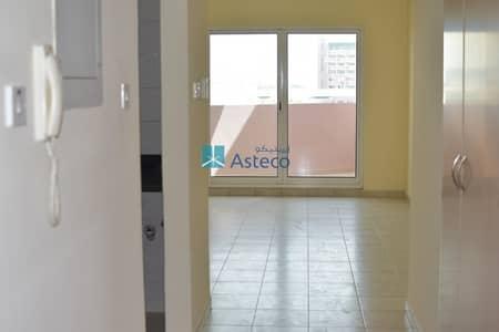 Studio for Rent in Discovery Gardens, Dubai - Semi close kitchen studio with balcony and builtin wardrobes