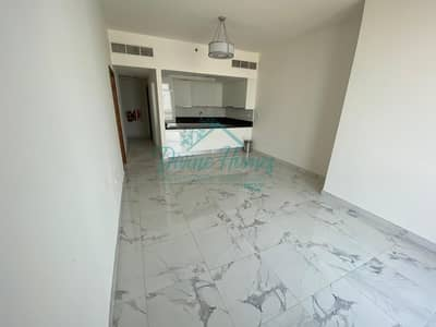 1 Bedroom Apartment for Rent in Business Bay, Dubai - Spacious & Well Maintained Apt. with Canal View