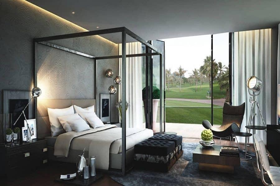 Luxurious Villa with Landscaped Garden
