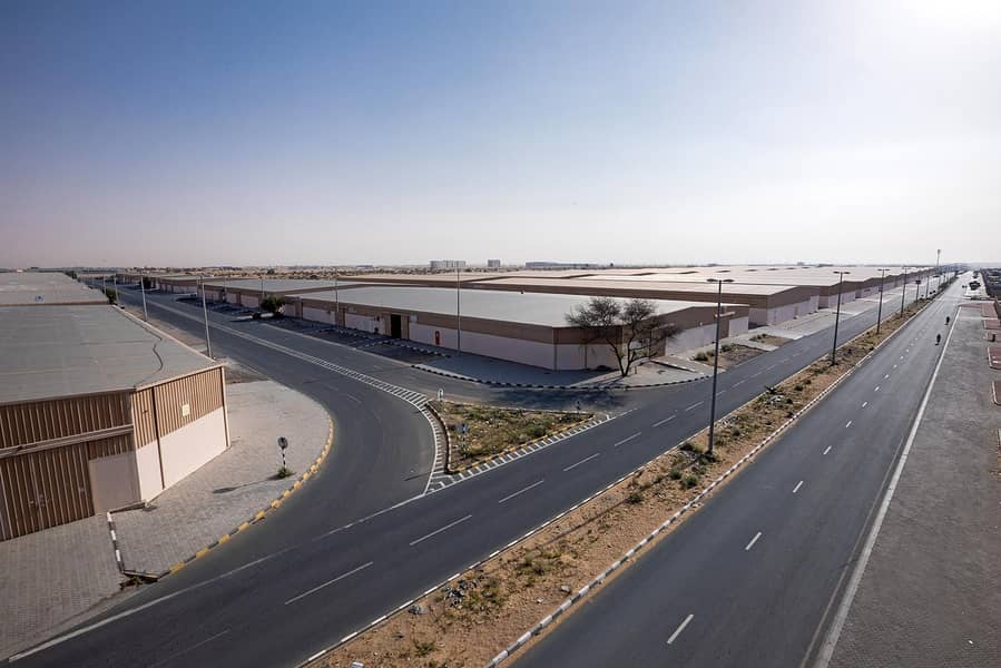 22 2 Month Free  Covered Storage Space for Rent on Emirates Road 611