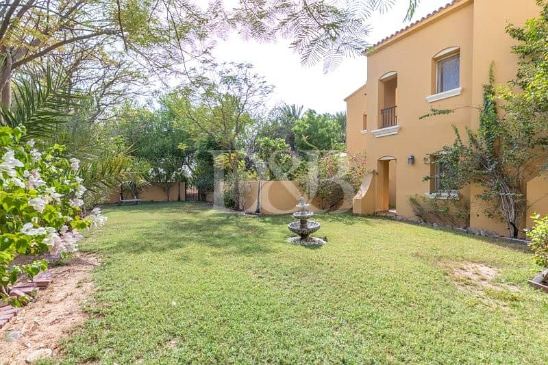 1 Private Huge Garden | 3 Beds | Single Row
