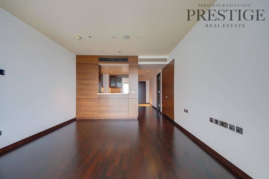 2 Priced to sell a huge 1 BD on high floor full fountain view