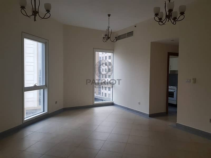 Beautiful 1BR Hall | Chiller Free | Close To Metro