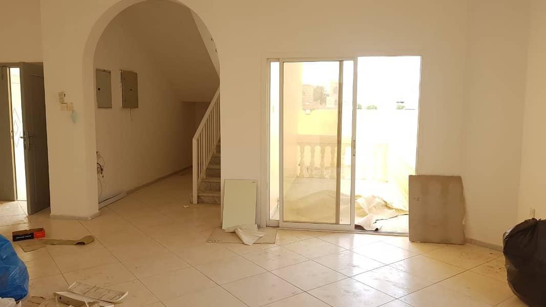 *** Commercial / Residential – Spacious 4BHK Duplex Villa with garden space in Al Sabkha area,  Sharjah
