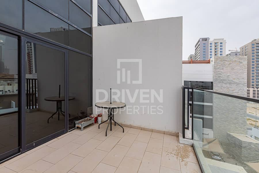12 Duplex and Fully Furnished 1 Bedroom Apt