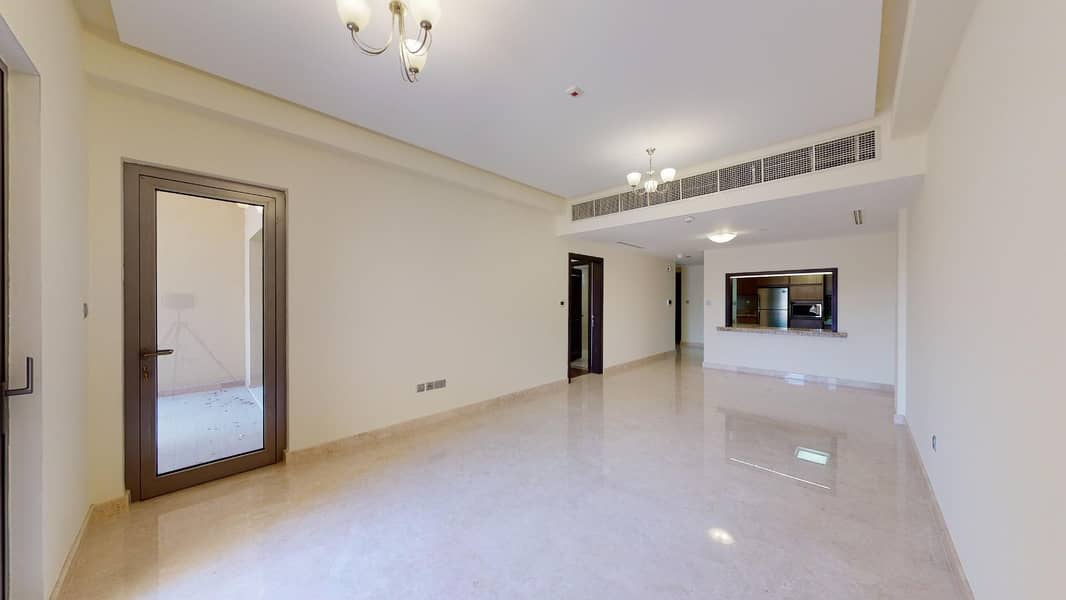 Sports facilities | Access to airport | Built in kitchen appliances