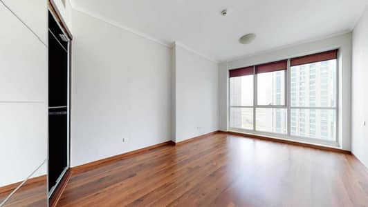 1 Bedroom Flat for Rent in Dubai Marina, Dubai - Wooden floors | High floor | Visit with your phone
