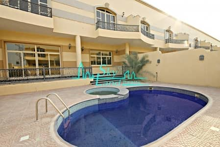 SPACIOUS 4 BED WITH PRIVATE POOL IN IN JUMEIRAH 1