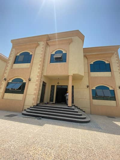 Offer Brand New 5-Bedroom Villa for rent | super deluxe | 5 Master Rooms+2 hall  spacious close to all services in Ajman