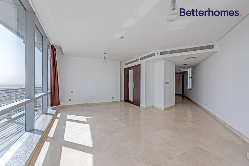 Studio With Balcony |Middle Floor|Vacant