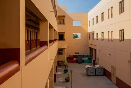 سكن عمال  للايجار في القوز، دبي - Labor Camp for Staffs|10 Person Capacity l  38 rooms l Al Quoz
