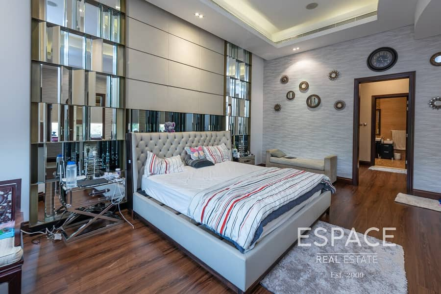 13 Luxury 6 Bed Villa Lake and Skyline Views