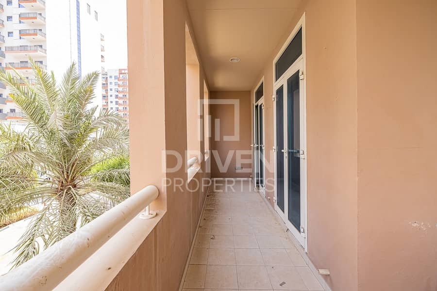 3 Bed Apt plus Maid Room with Chiller Free