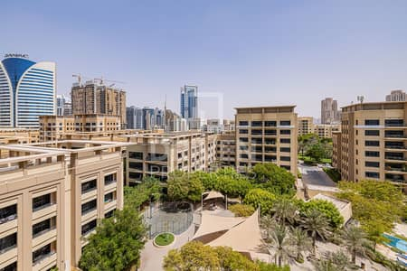 3 Bedroom Flat for Sale in The Greens, Dubai - Spacious 3 Bedroom Apartment with Pool View