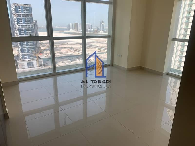 Vacant 2 bedroom Plus Store Aprt W/ Sea View