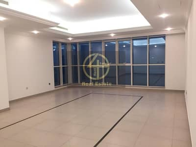 3 Bedroom Apartment for Rent in Al Zahiyah, Abu Dhabi - Remarkably Spacious 3BR Apartment - Well Located !