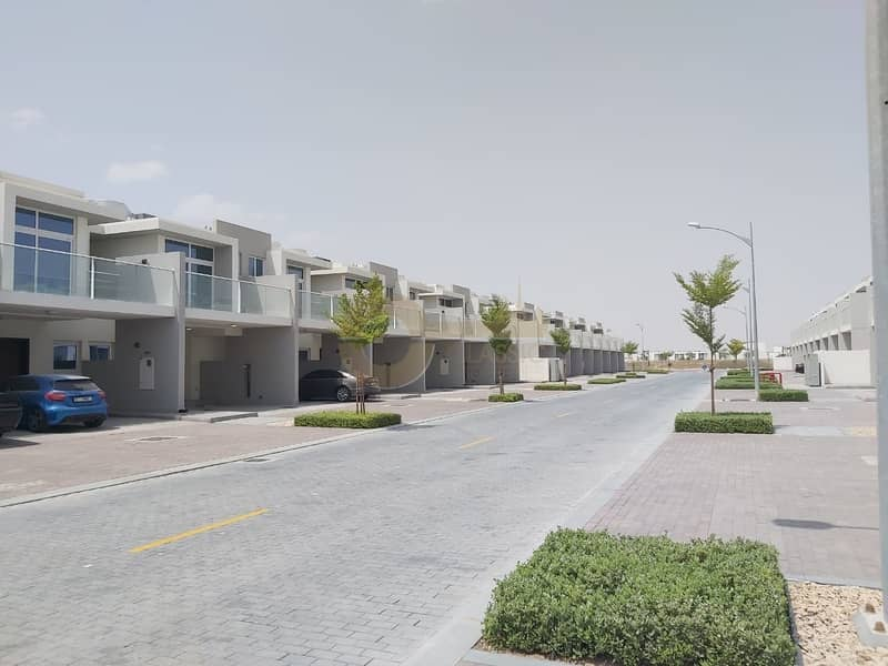 10 Best Price | 3bed Townhouse | Family Living