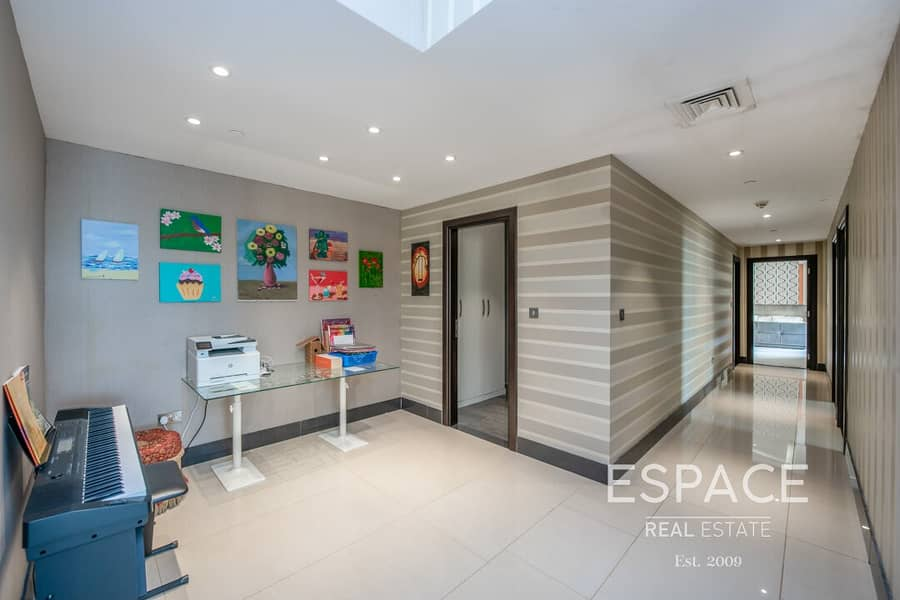 13 Upgraded Sea View |  Large 4 Bed Plus Maids