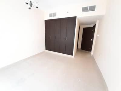 فلیٹ 2 غرفة نوم للايجار في مويلح، الشارقة - شقة في مبنى مويلح مويلح 2 غرف 29900 درهم - 4754287