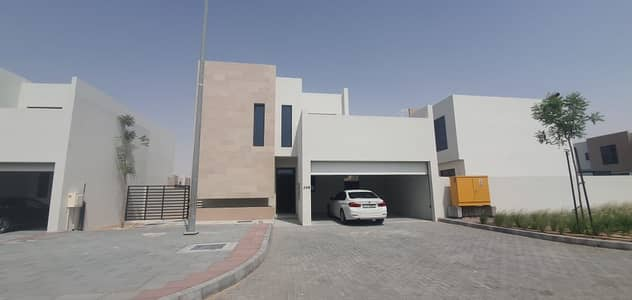 4 Bedroom Villa for Sale in Al Tai, Sharjah - Sama majlis , Big area , zero service charge .
