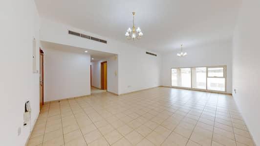 شقة 2 غرفة نوم للايجار في بر دبي، دبي - Shared pool | Maintenance free | Near to Burjuman mall