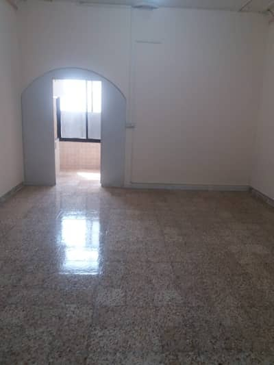 SPACIOUS STUDIO IN MADYNAT ZAYED JUST IN 2900 AED INCLUDING ELECTRICITY AND WATER IN RENT