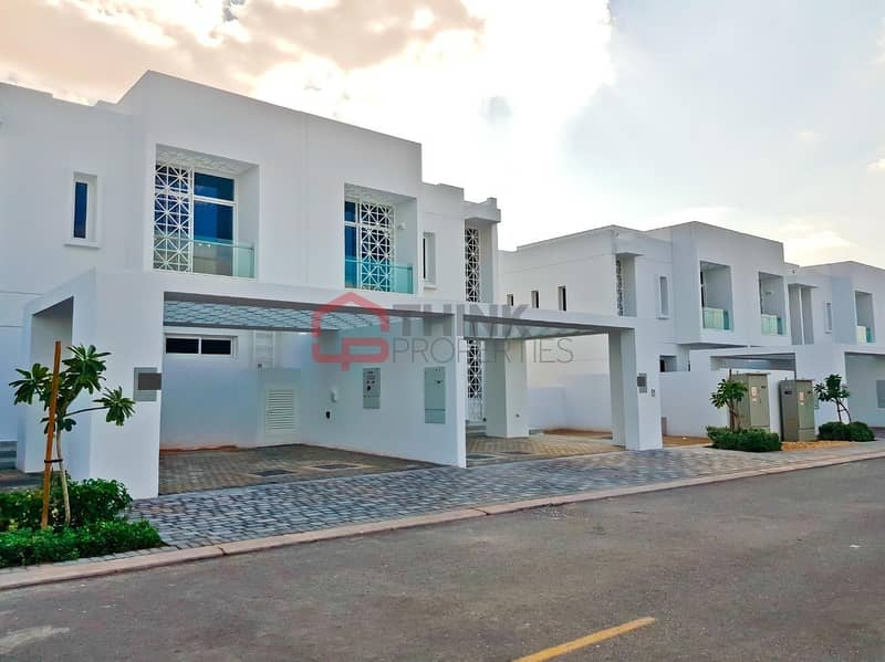 12 Single Row 3BR Landscaped Ready from Oct 1st