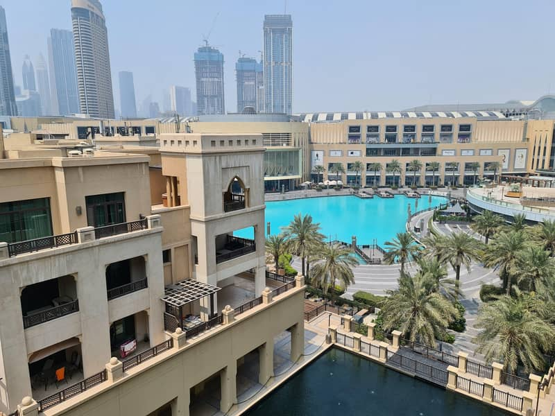 32 Amazing stay at Dubai Downtown - Souk Al Bahar