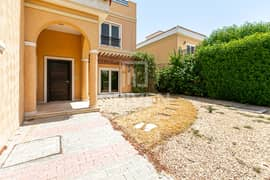 Single Row, 5 Bed Villa with Pool, Near Exit