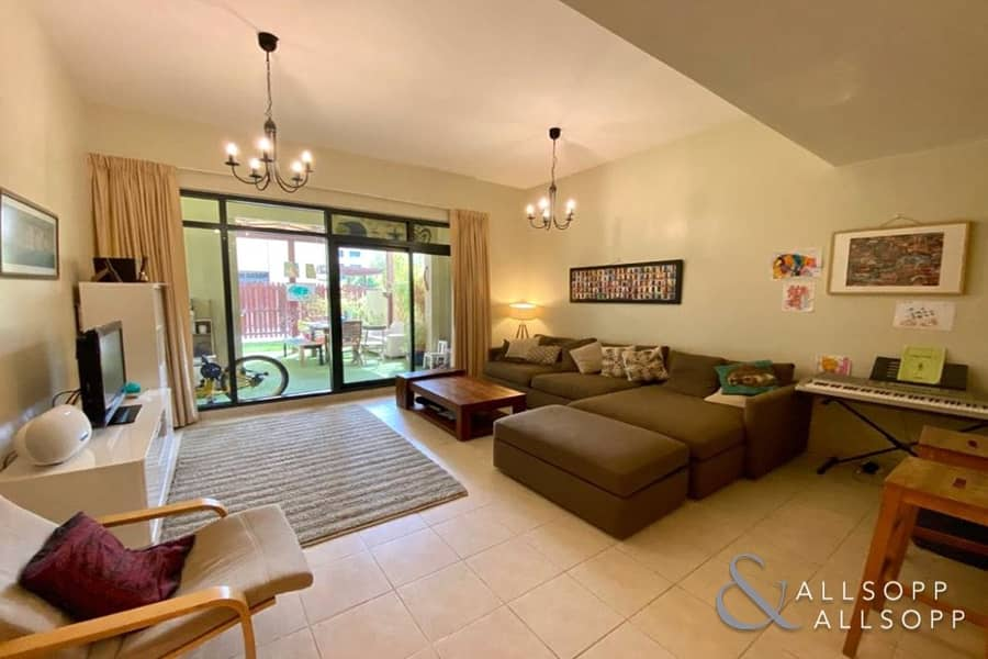 3 Bedroom Apartment   Upgraded   Terrace