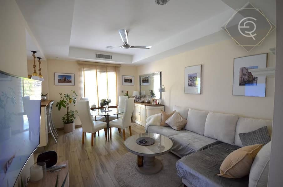 2 Vacant|Perfectly Upgraded|Single Row|Close to Pool