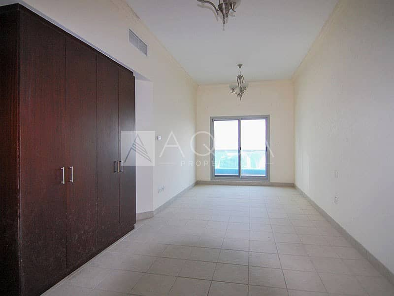 12 VACANT | Large Size | 3 Toilets | High Floor