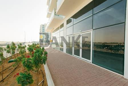 محل تجاري  للايجار في مدينة دبي للاستديوهات، دبي - Spacious new retail shop in Glitz 3